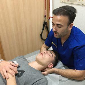 La fisioterapia para contracturas en el cuello en Murcia